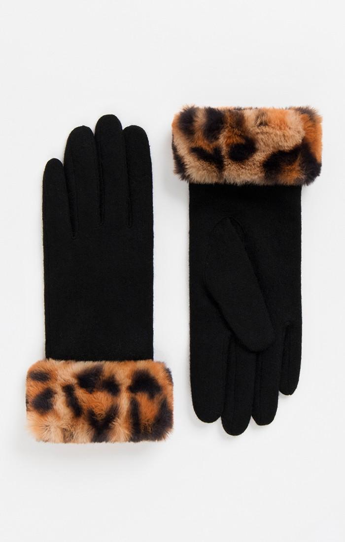 Gizelle Glove
