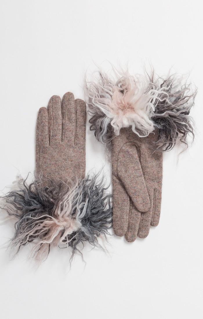 Vanessa Glove